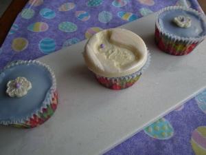 One lone bunny cupcake